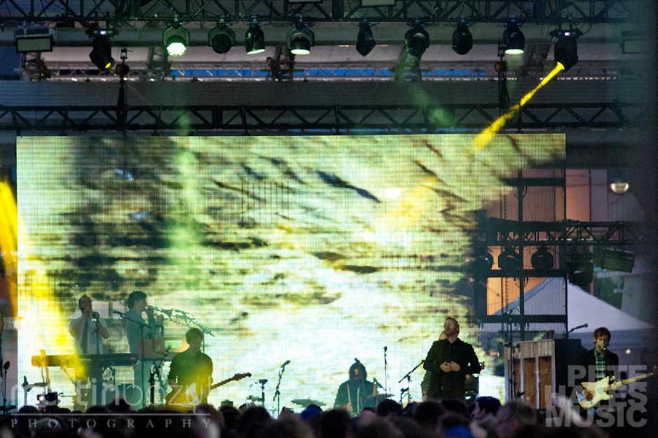 The National @ Yonge-Dundas Square (Copyright: PeteHatesMusic / Martin Bazyl)