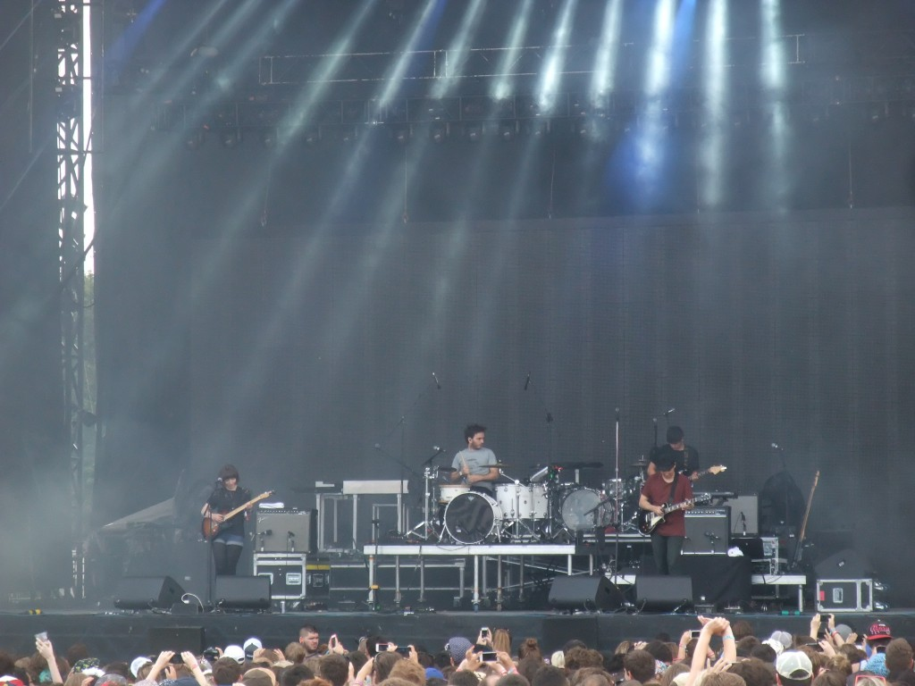 Daughter - Osheaga 2013 (Copyright: PeteHatesMusic)