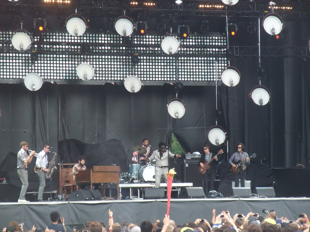 Charles Bradley and the Extraordinaire - Osheaga 2013 (Copyright: PeteHatesMusic)