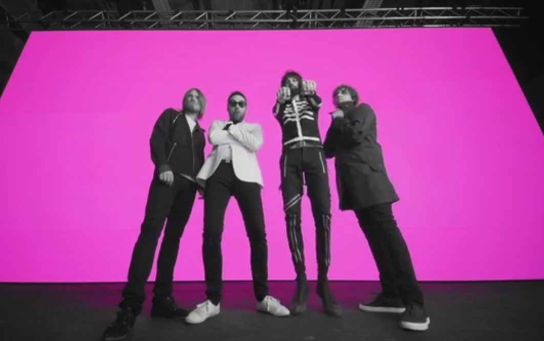 Kasabian - eez-eh via YouTube screen cap