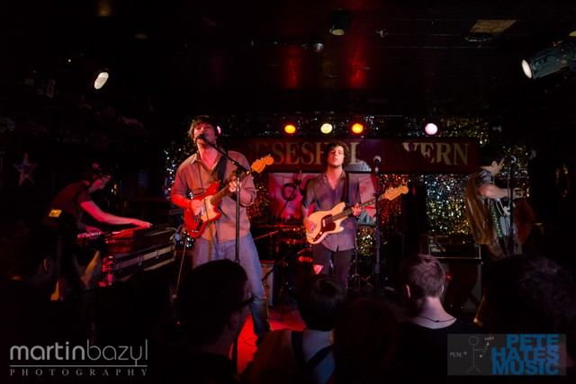 Twin Peaks at the Horseshoe Tavern (Copyright PeteHatesMusic and Martin Bazyl Photography)